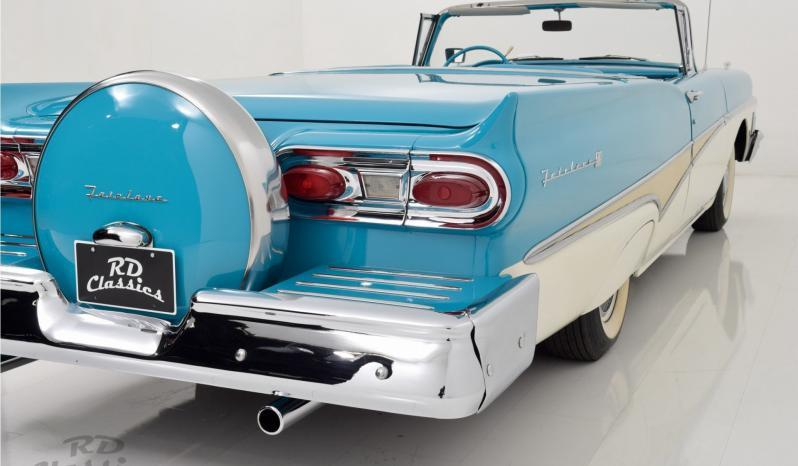Ford Fairlane voll