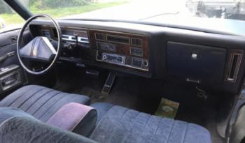 Oldsmobile Delta 88 voll