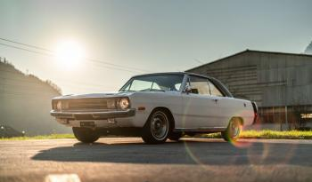Dodge Dart Swinger SE voll