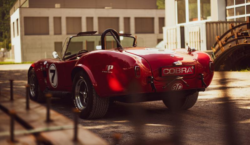 AC Cobra Contemporary Cobra voll