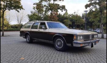 Oldsmobile Custom Cruiser voll