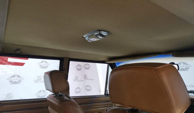Jeep Grand Wagoneer voll