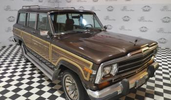 Jeep Grand Wagoneer voll