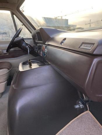 Dodge RAM Van voll