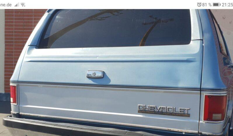 Chevrolet Suburban voll