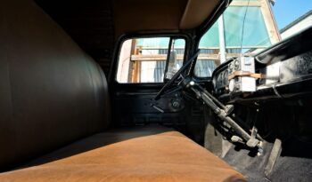 Ford F-100 Panel Truck voll